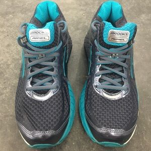 Brooks Womens Sz 9 Ariel 16 Running Shoes